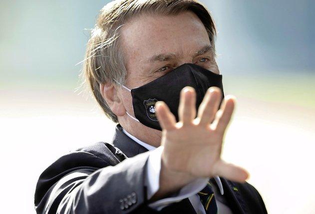 Jair Bolsonaro rattrapé par le Covid